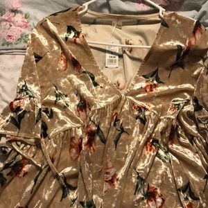 Tops - Flower blouse from fashion q